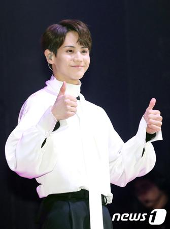 韓国ボーイズグループ「Highlight」メンバーのヤン・ヨソプが、2019年1月24日に一般義務警察へ入隊する。(提供:news1)
