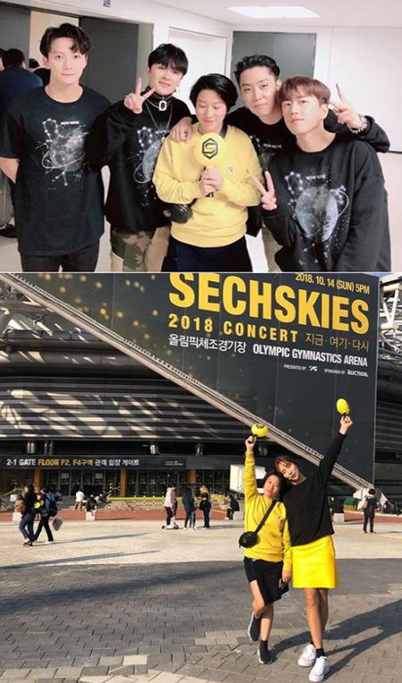 女性芸人キム・ヨンヒ、「Sechs Kies」公演でメンバーらと記念写真 「オッパたちは20歳」(画像:キム・ヨンヒSNS)