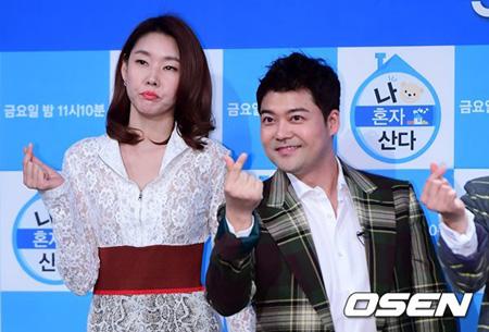 チョン・ヒョンム&モデルのハン・ヘジン、来年4月結婚説が浮上=双方事務所「具体的な結婚の計画はまだない」(提供:OSEN)