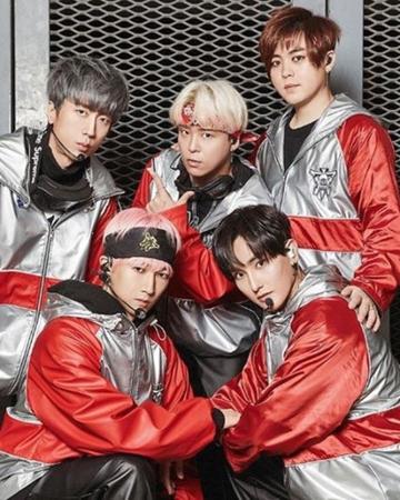 韓国ボーイズグループ「H.O.T.」メンバーのKANGTAが、本格的にグループ活動をスタートすることを暗示して注目を浴びている。(写真提供:OSEN)