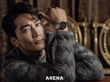 韓国俳優ソン・スンホンのカリスマあふれる画報が公開された。男性ファッション誌「ARENA HOMME+」は去る20日、スイスの時計ブランド「TISSOT」と共にソン・スンホンの画報を公開した。(提供:OSEN)