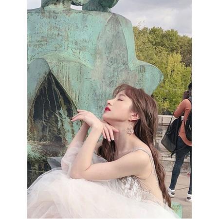 韓国ガールズグループ「EXID」メンバーのハニが、パリで美しさを放った。(写真提供:OSEN)