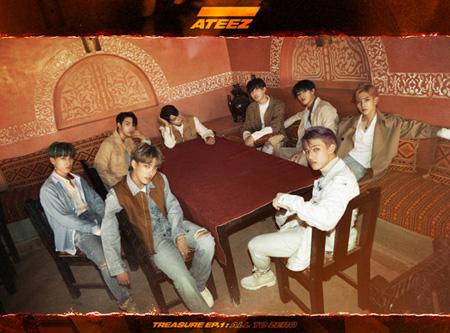 """""""デビュー""""「ATEEZ」、事務所先輩「Block B」に言及 「存在だけでも大きなパワーに」(画像:news1)"""