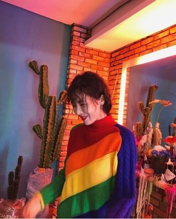 韓国歌手ヒョナ(元4Minute)が個性あふれるファッションで近況を公開した。(写真提供:OSEN)