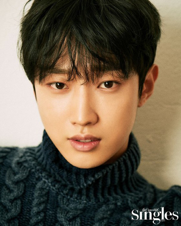 """韓国歌手兼俳優のジニョン(元B1A4)が、""""秋の男""""に変身した。(写真提供:OSEN)"""
