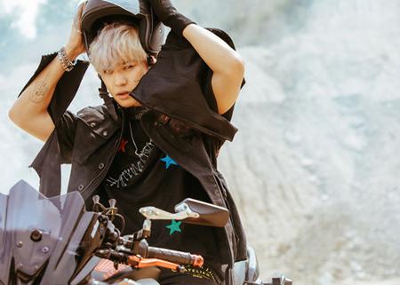 11月2日に5thアルバムを発表する「EXO」が、メンバーのCHANYEOLの予告イメージを公開した。(提供:OSEN)