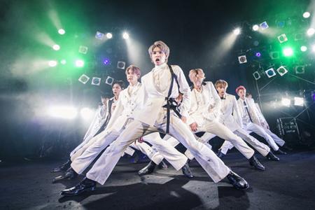 「NCT 127」、大妻女子大学の学園祭に登場! 女子大生「シンプルにイケメン」(写真:田中聖太郎)