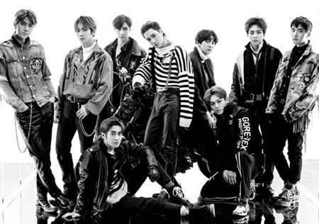 韓国アイドルグループ「EXO」が累積音盤(CD)販売量1000万枚突破カウントダウンに突入した。(提供:OSEN)
