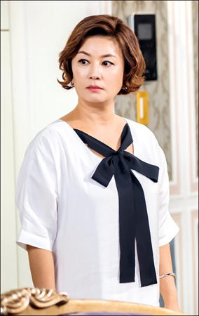 韓国女優キム・ヘソン(48)が、ハリウッド進出を目の前に控えている。(提供:news1)