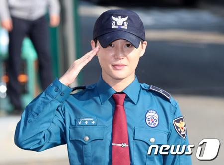 韓国男性グループ「JYJ」のキム・ジュンス(31)が21か月間の義務警察服務を終えて、除隊した。(提供:news1)