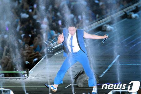 歌手PSY、「不誠実な公演」提起された出演料返金訴訟で勝訴