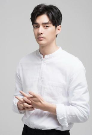 韓国ドラマ「花より男子~Boys Over Flowers」で人気を博した俳優キム・ジュンが、映画で復帰する。(写真提供:OSEN)