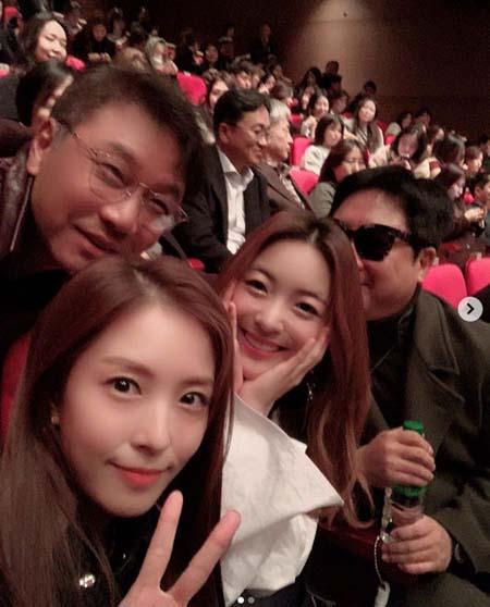 歌手BoA、SMイ・スマン代表&ルナ(f(x))と大ヒット映画「ボヘミアン・ラプソディ」を観賞(画像:OSEN)