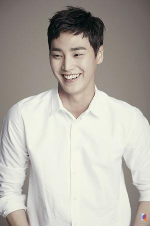 韓国俳優イ・テファンが「農夫士官学校」に出演することになった。(写真提供:OSEN)