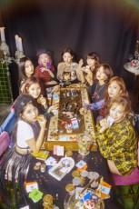 韓国ガールズグループ「TWICE」が、日本でドームツアーの開催を決定。K-POPガールズグループとしては史上初となる快挙を成し遂げた。(写真提供:OSEN)