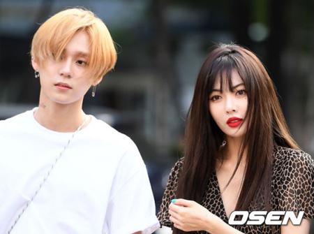 韓国歌手ヒョナ&イドンが、堂々と恋愛を楽しんでいる。(提供:OSEN)