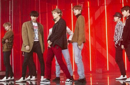 SBS「人気歌謡」側が、放送休止の残念さをなだめる「EXO」ビハインドカットを大放出した。(提供:OSEN)