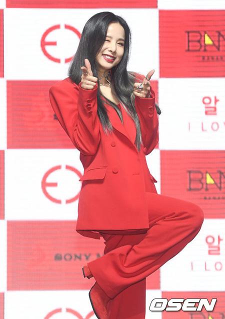 韓国ガールズグループ「EXID」ソルジが2年間の空白期を終えて歌謡界復帰の心境を伝えた。(提供:OSEN)
