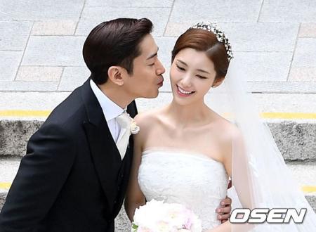 """エリック(SHINHWA)と結婚したナ・ヘミ、結婚生活を明かす 「結婚と恋愛は別、いまは""""安定期""""」(画像:OSEN)"""