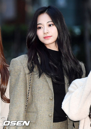 韓国ガールズグループ「TWICE」メンバーのツウィが、健康上の問題でイベントに参加できなかった。(提供:OSEN)