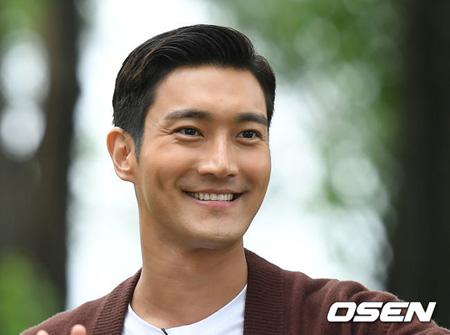 韓国アイドルグループ「SUPER JUNIOR」のメンバーで俳優としても活動中のチェ・シウォンがKBSドラマで復帰する。(提供:OSEN)
