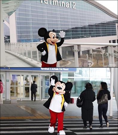 """ミッキーマウス、歴史的初訪韓…""""ラフな空港ファッション""""で入国する姿が話題に(提供:OSEN)"""