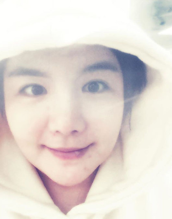 韓国女性タレントのエイミが、体重増加によってパスポートを受け付けてもらえなかったことを明かした。(提供:OSEN)