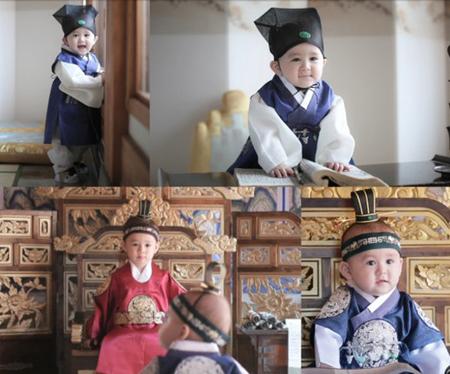 韓国KBSのバラエティ番組「スーパーマンが帰ってきた」に出演中でセム・ヘミントンの息子のベントリン君が満1歳の写真撮影に挑戦した。(写真提供:OSEN)