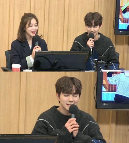 ラジオ番組「2時脱出Cultwo Show」に出演した俳優ユ・スンホがSNSを新たに始めたと明かした。(提供:OSEN)