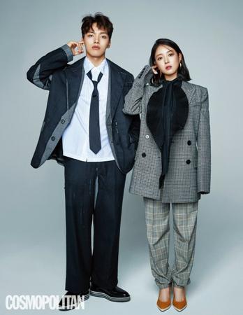 2019年1月初頭に放送がスタートするドラマ「王になった男」で主役の俳優ヨ・ジングと女優イ・セヨンがファッション誌「COSMOPOLITAN」のカップルグラビアに登場した。(写真提供:OSEN)