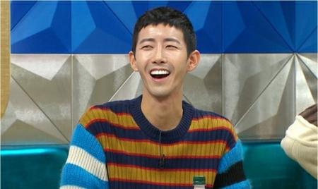 韓国タレントのグァンヒ(ZE:A)が除隊し、芸能界に復帰した。(写真提供:OSEN)