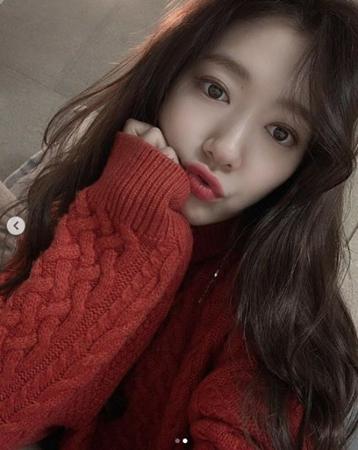 韓国女優パク・シネが、ファンにクリスマスのあいさつをした。(提供:OSEN)