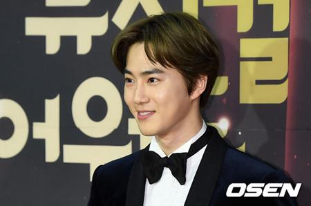 韓国ボーイズグループ「EXO」メンバーのSUHOが、2019年1月14日にソウル・ブルースクエア インタパークホールで開催される「第3回韓国ミュージカルアワーズ」の男優新人賞の候補に挙がった。(提供:OSEN)