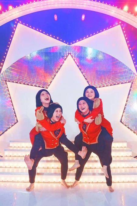 """""""バブリーダンス""""で話題の「Celeb Five」、年末に「全国歌自慢」「KBS歌謡大祝祭」に相次ぎ出演(画像:OSEN)"""