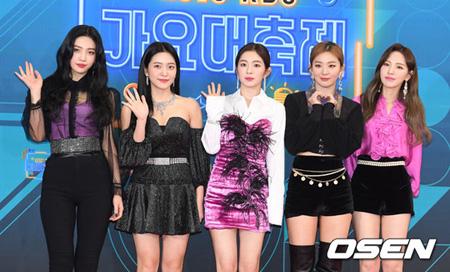 韓国ガールズグループ「Red Velvet」が「第8回GAON CHART MUSIC AWARDS」に出演することがわかった。(提供:OSEN)