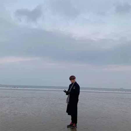 「Wanna One」カン・ダニエル、冬の海と共に近況報告(画像:OSEN)