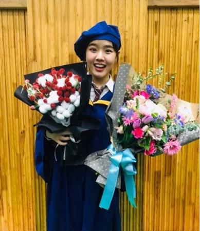 韓国女優キム・ヒャンギが、高校を卒業したという知らせに「もうそんなに成長したのか」と驚きの声が上がっている。(写真提供:OSEN)