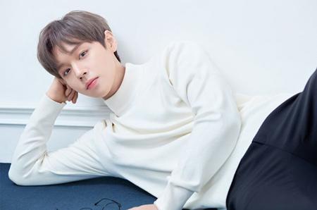 韓国ボーイズグループ「Wanna One」元メンバーのパク・ジフンの公式ホームページが、オープンと同時にサーバーがまひした。(提供:OSEN)