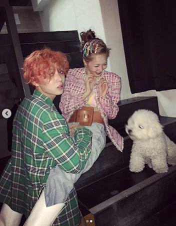 """韓国歌手ヒョナとイドンが、またもや過激な""""ラブスタグラム""""を更新した。(写真提供:OSEN)"""