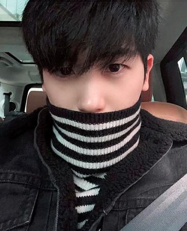 韓国歌手兼俳優のパク・ヒョンシク(ZE:A)が、自身のSNSですてきなビジュアルの近況を公開した。 (写真提供:OSEN)