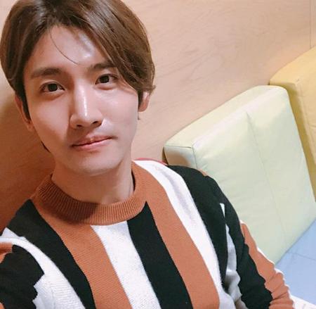 韓国ボーイズグループ「東方神起」メンバーのチャンミンが、SNSでファンの健康を心配した。 (写真提供:OSEN)
