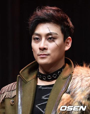 韓国俳優キム・ボガン(35)が無免許運転をしたと報じられ、物議を醸している。(提供:OSEN)