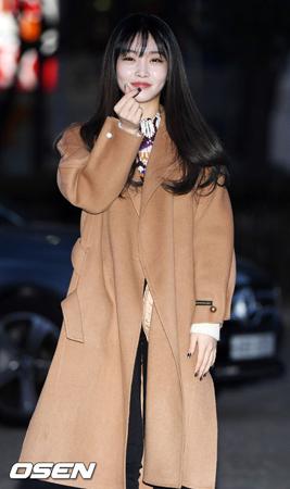 韓国歌手チョンハが腹痛を訴え、スケジュールをキャンセルして入院した。(提供:OSEN)