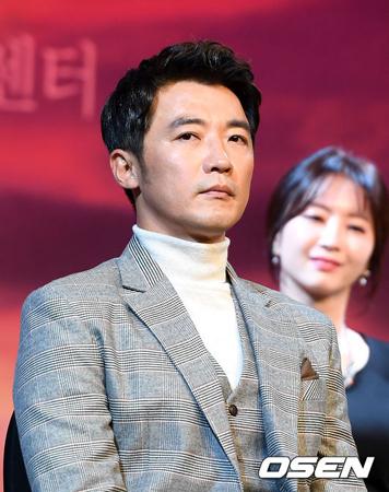 韓国俳優アン・ジェウク(47)が飲酒運転で摘発され、免許停止の処分を受けた。(提供:OSEN)