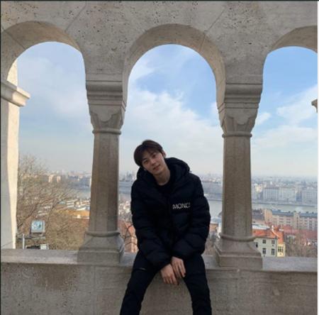 韓国ボーイズグループ「NU'EST」メンバーのファン・ミンヒョンが、近況を伝えた。(提供:OSEN)