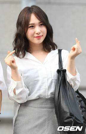 韓国Mnetのサバイバルオーディション番組「PRODUCE 48」に出演していた「AKB48」の高橋朱里が、韓国でガールズグループのメンバーとしてデビューすることになった。(提供:OSEN)