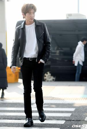韓国俳優イ・ジュンギが2日午前、「2018-19Lee Joon Gi Asia Tour DELIGHT &- BANGKOK」開催のため仁川(インチョン)国際空港からタイ・バンコクに出国した。(写真提供:OSEN)