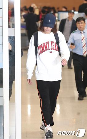 動画の盗撮および流布の騒動を起こしている歌手チョン・ジュンヨンが12日午後、ロケ先の海外から帰国した。(提供:news1)