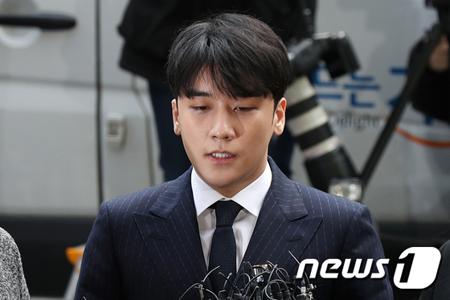 V.I(BIGBANG)、兵務庁が「入隊延期」を決定(画像:news1)