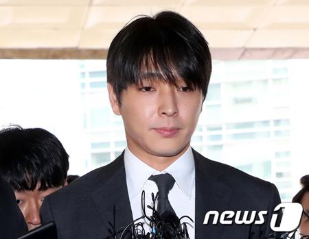 盗撮動画の流布容疑の韓国歌手チェ・ジョンフン(元FTISLAND、29)が、飲酒運転をもみ消そうとした状況が具体的に明らかになり、立件された。(提供:news1)